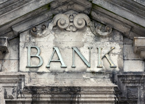 The Death of Small Banks in the US