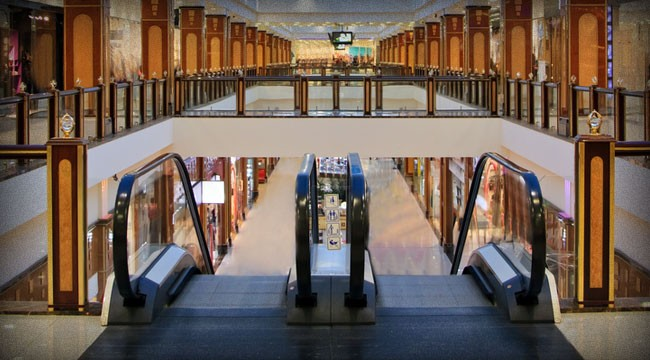Dead Malls of America: Here's How to Play the Trend...