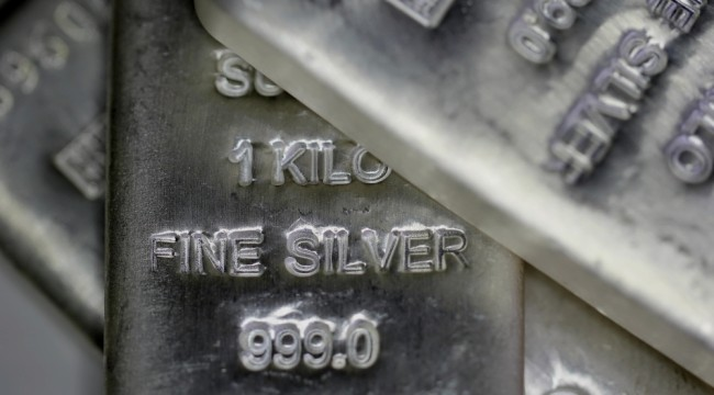 Silver Begins To Show Signs of a Shortage