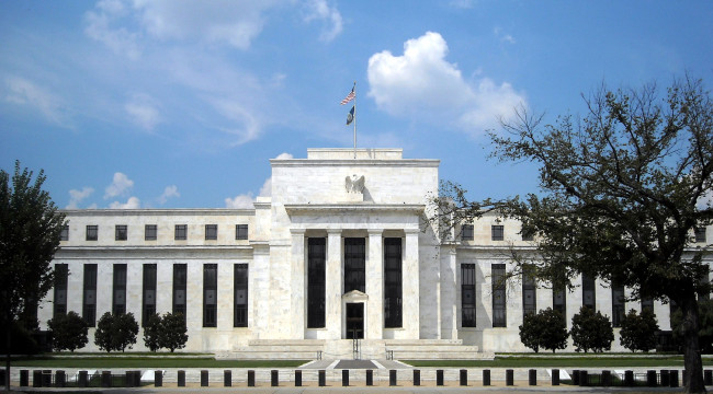 The Federal Reserve Dilemma: No Good Choices