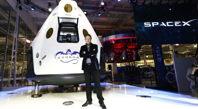 SpaceX Nabs its First-ever Government Launch Contract
