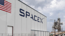 """SpaceX Investor: """"We Can't Find An Exit!"""""""