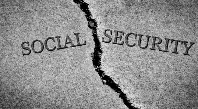 6 HUGE Social Security Mistakes